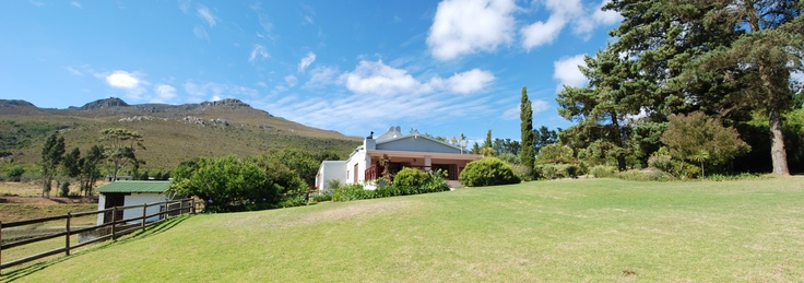High Season Farm - Stunning 4 star graded self catering cottages situated in the Hemel-en-Aarde Valley of Hermanus. Cottages sleep from 2 to 6 guests and are fully equipped for a super self catering experience.