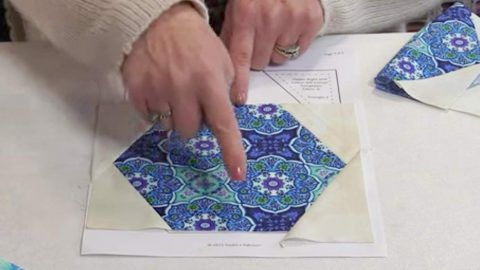 She Cuts Hexagon Shapes And Wait Till You See How Cool They Look Sewn Together. Easy!   DIY Joy Projects and Crafts Ideas