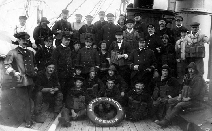 Image of the crew of Grosser Kurfürst, Captain Spangenberg at left.