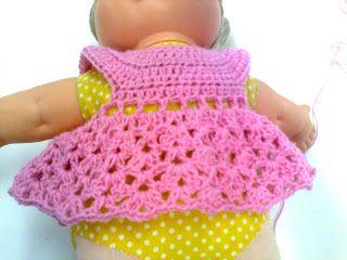 Bonecas de crochê: Pap vestidinho com gola redonda