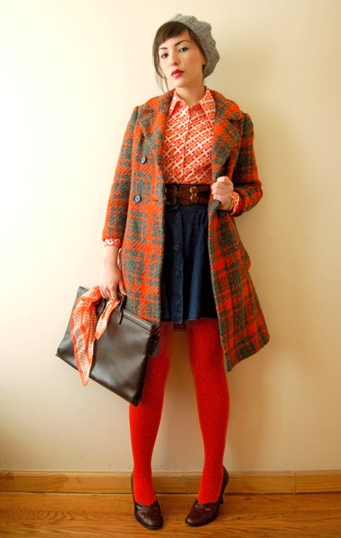 Amazing color combination in the entire outfit...and look at that light heather gray beret! fantastic!