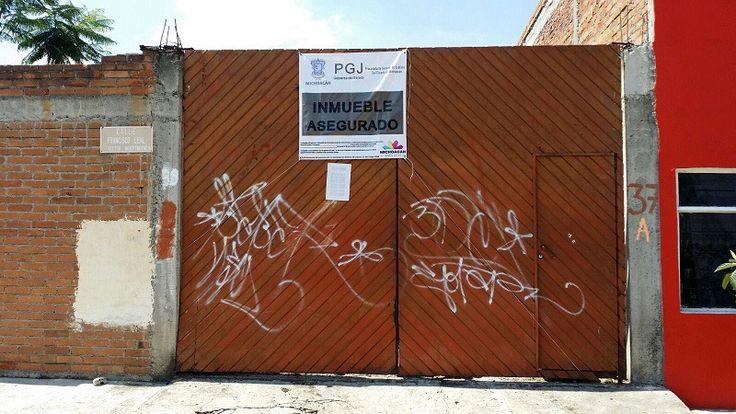 Trabajos de investigación e inteligencia llevados a cabo por la PGJE permitieron asegurar un inmueble relacionado en conductas delictuosas; y en cuyo interior se localizaron cinco vehículos con reporte de ...