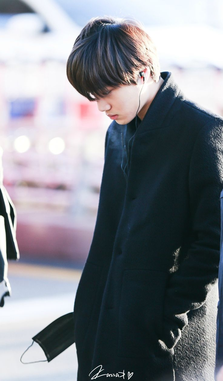 Daily EXO, Kai is sleep walking?