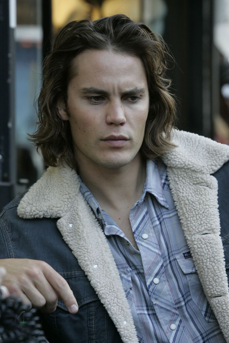 "Tv Series ""Friday Night Lights"" 2006 - 2011 Director: Peter Berg. Taylor Kitsch as Tim Riggins."