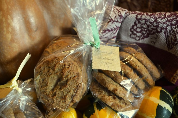 Menina Lima: Bolachinhas integrais / Whole cereal cookies || Products of Portugal