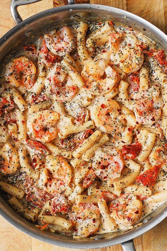 Creamy Mozzarella and Shrimp Pasta