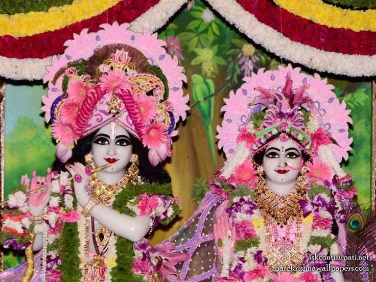 http://harekrishnawallpapers.com/sri-sri-radha-govinda-close-up-iskcon-tirupati-wallpaper-006/