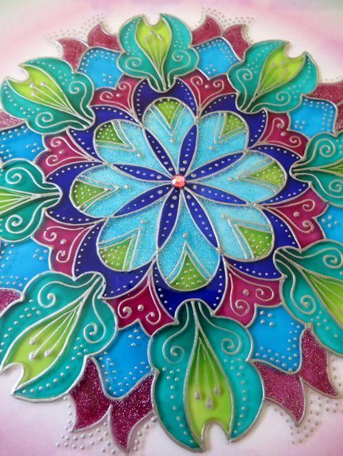 "Glass Hand Painted Mandala ""Kouzel plná"" (15x15cm)"