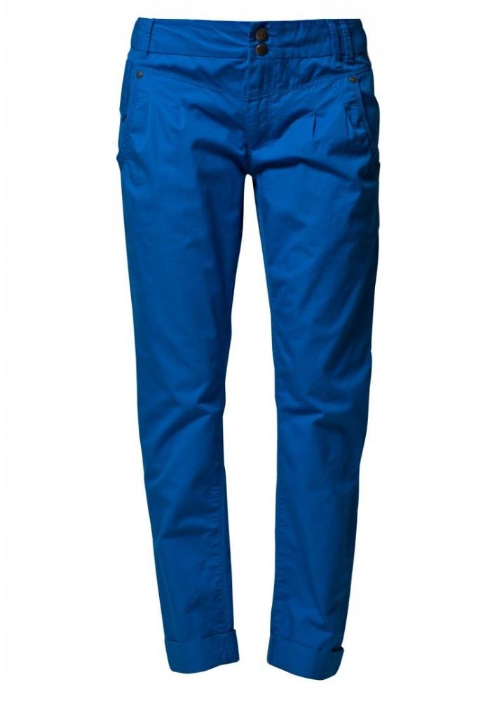 Chino e pantaloni da uomo: ecco la tendenza per l'estate