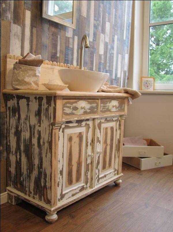 die besten 25 waschtisch landhausstil ideen auf pinterest badzubeh r kleine badezimmer land. Black Bedroom Furniture Sets. Home Design Ideas