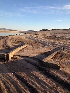 Exposed irrigation canal, normally below water level at #Folsom #Lake that provided water to Folsom and #Orangevale.