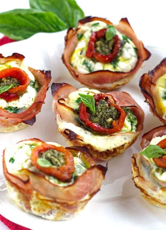 Mediterannean Breakfast Egg Muffins with Ham - A quick. easy and healthy breakfast! | Food Faith Fitness| #breakfast #healthy #eggs