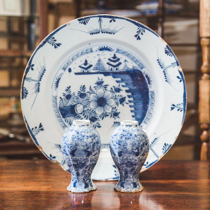 Tiny Delft Vases-spencer-swaffer-NO-NUMBER-Two-Tiny-Delft-Vases-3-WS_main_636534332977000993.jpg