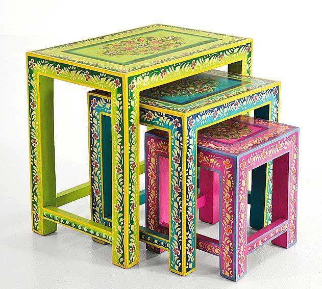 Mesas pintadas Cute idea!