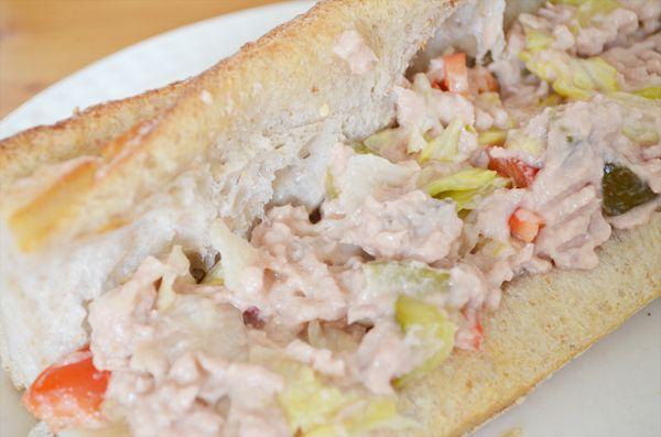 Meer dan 1000 idee u00ebn over Broodje Tonijn op Pinterest   Broodje vis, Tonijn en Sandwi