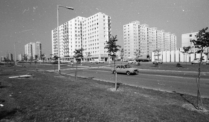 Marcalváros (Kun Béla lakótelep), Lajta út a Répce (Heszky Ezsébet) utca felé nézve.
