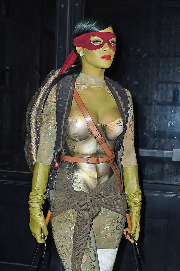 Check out #Rihanna as a Teenage Mutant Ninja Turtle! Every Celebrity Costume Of 2014 - MTV: