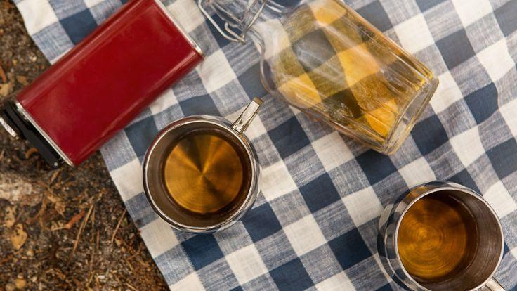 Wie man einen Camp Cocktail macht | Epicurious   – Adult drinks
