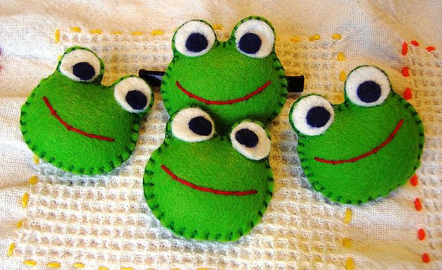 frogs felt - these would be great bean bags for a game