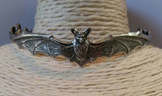 Check out this item in my Etsy shop https://www.etsy.com/au/listing/268595810/silver-bat-cuff