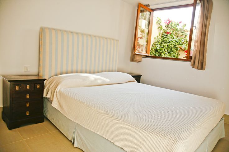 Lower level double bedroom with ensuite bathroom