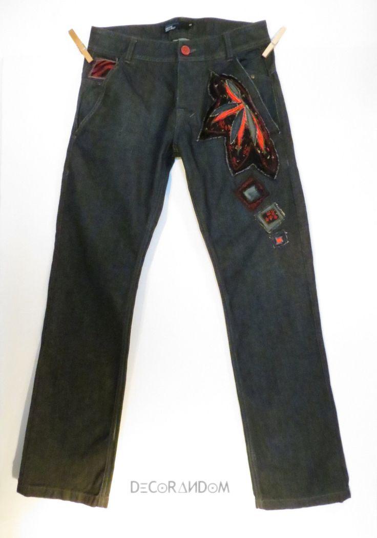 jeans nero uomo,denim nero,pantalone nero uomo,decorato fiore rosso,raso rosso,fiorato,upcycled jeans,,stoffa riciclata,jeans riciclato p2 di decorandom su Etsy