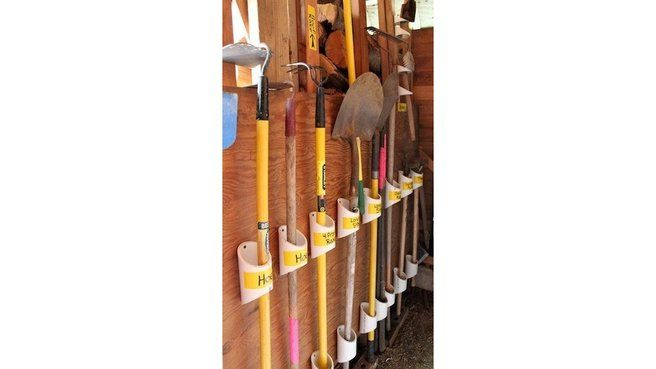 25 best ideas about stockage de tuyaux pvc sur pinterest artisanat de tuyaux pvc plateau for Rangement balai