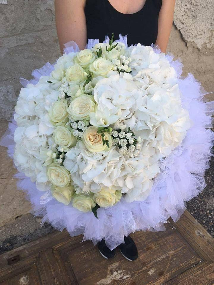 WHITE bouquets <www.toneintone.eu>