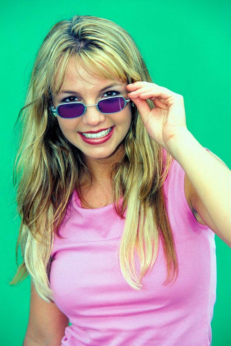 Tinted lenses: The weirdest 00s trend making a comeback http://ift.tt/1U7CQn9 #FashionMagazine #Fashion