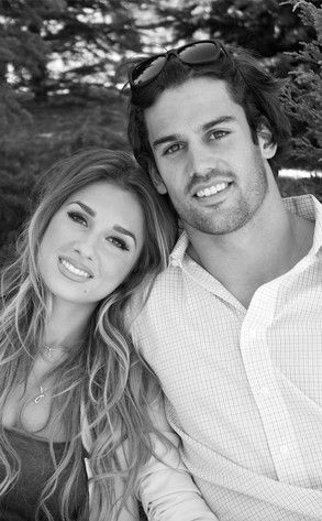 Go Long! from Eric Decker and Jessie James Are the Hottest Couple Ever  This looks like a perfect engagment photo!