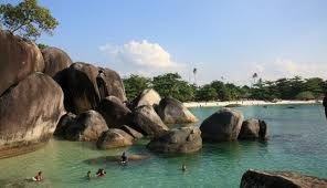 keindahan alam yang dilukiskan melalui Belitung Island
