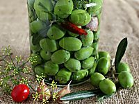 Olive verdi in salamoia - ricetta della tradizione calabrese
