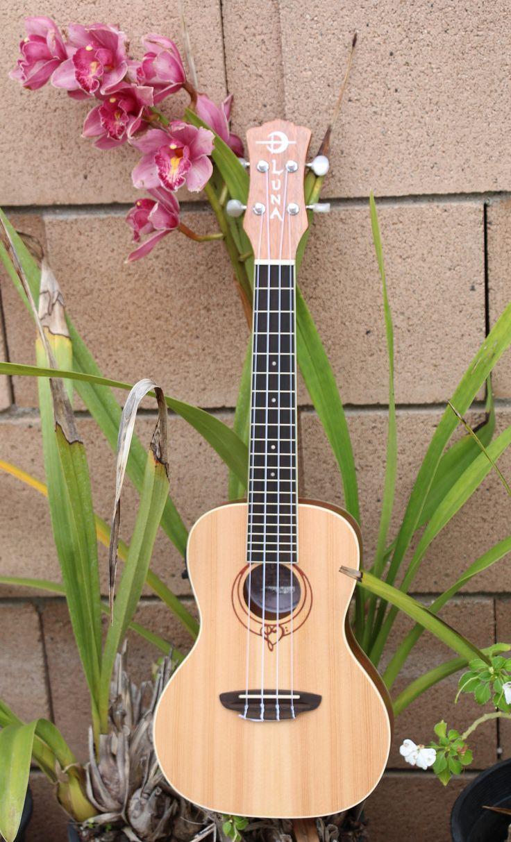 Luna Heartsong Acoustic-Electric Concert Ukulele
