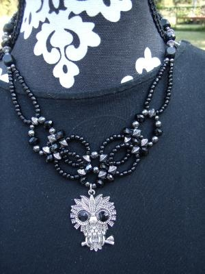 Black owl collar