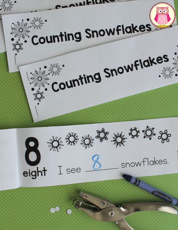 Counting Snowflakes Hole Punch Book.  Kids can practice counting, numeral recognition, and get fine motor practice as they punch a hole in the snowflakes on each page....a great winter counting activity.