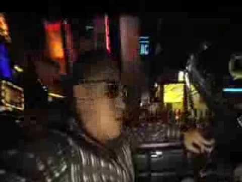 Alacranes Musical feat Espinoza Paz - Como una gelatina