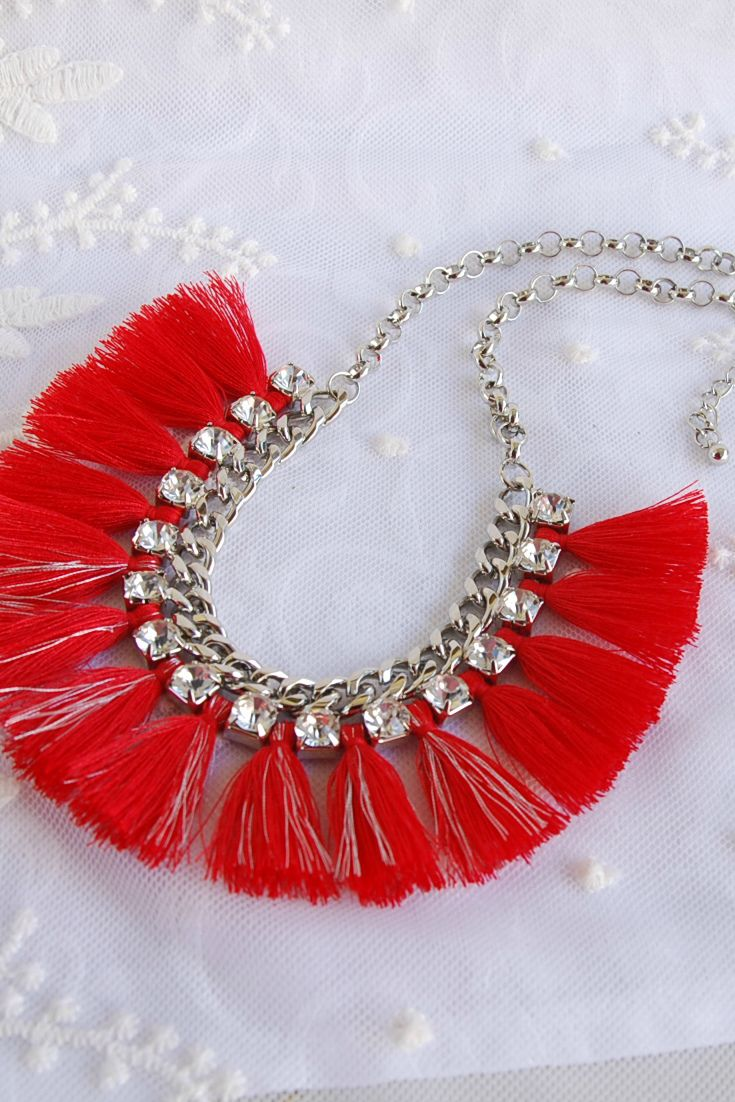 Red tassels Statement Bib necklace #boho #tasselfringenecklace #bohemian_jewelry