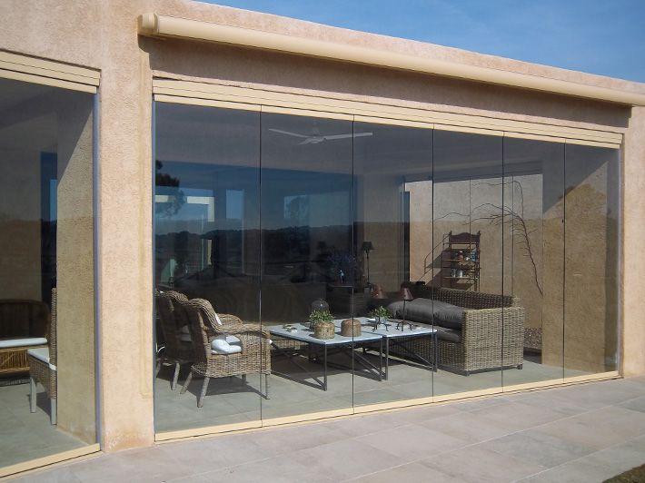 Expertos en cortinas de cristal en Málaga Marbella