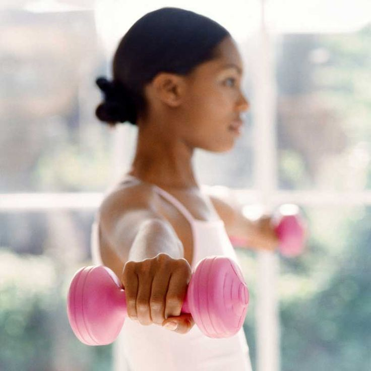 Lift More, Lose More If you want to slim down and sculpt sexy muscles, then put away those five-pounders. A study published in Medicine  Science in Sports  Exercise showed that women who lifted a challenging weight for eight reps burned nearly twice as many calories as women who knocked out 15 reps with lighter dumbbells.