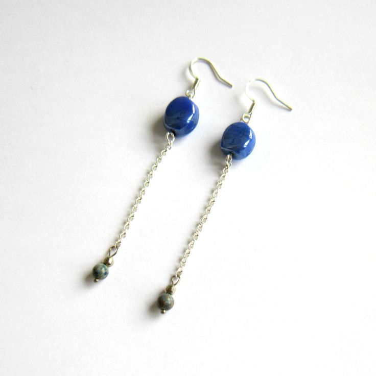 Boucles d'oreilles pendantes bleues et argentées , perle de verre, pierre de gemme Chrysocolle, boucles d'oreilles fines : Boucles d'oreille par color-life-bijoux