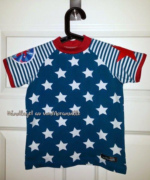T-skjorte med raglanarm og strykemerker på ermene. Lillestoff. / T-shirt with stars and stripes. Lillestoff.