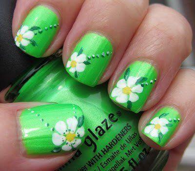 Bright summer nails, Daisies on nails, Daisy nails, flower nail art, Juicy nails, Lime nails, Manicure by summer dress, Shellac nails 2016