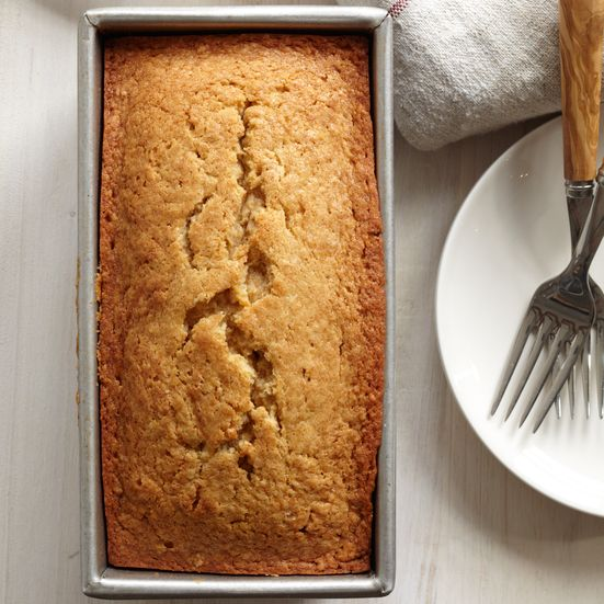 Chef Way This clever pound cake, from Megan Garrelts of Bluestem in Kansas City, Missouri, has crushed graham crackers in the batter. Garrelts serves ...