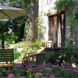 Karakteristiek vakantiehuizen en kastelen in Frankrijk vind je bij Cazebonne. Kijk op onze website voor meer vakantiehuizen en villas in Frankrijk.