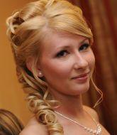 свадебная прическа, прическа на свадьбу, невеста, прическа на светлые волосы, сборы невесты, свадебный стилист, стилист, свадебный макияж, свадебная прическа распущенные волосы,