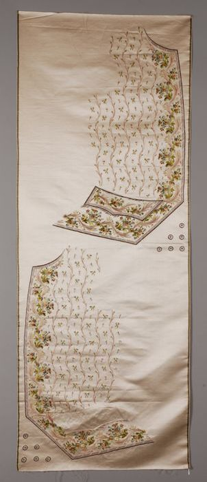 Uncut ivory silk vest, embroidered with floral motifs, not made up into vest - Museum Rotterdam