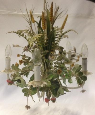 Lustre en fer forgé A cinq bras de lumière, A décor de fleurs,