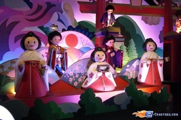 6/13 | Photo de l'attraction It's a Small World située à @Disneyland Paris (France). Plus d'information sur notre site www.e-coasters.com !! Tous les meilleurs Parcs d'Attractions sur un seul site web !!