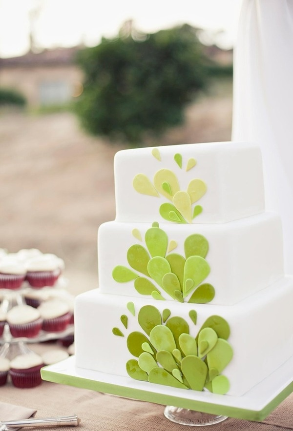 Wedding Cake: Sweet Cheeks Bakery