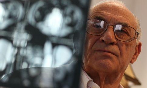 Linhares Furtado foi o médico responsável pelo primeiro transplante - JN